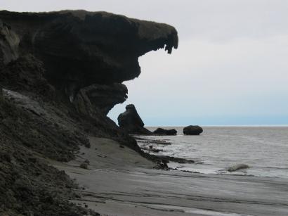 Южный берег восточнее устья реки Зимовье
